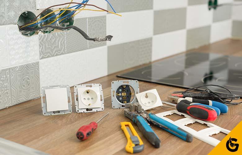 Montaż osprzętu elektrycznego - Oferta - Power Głogowski